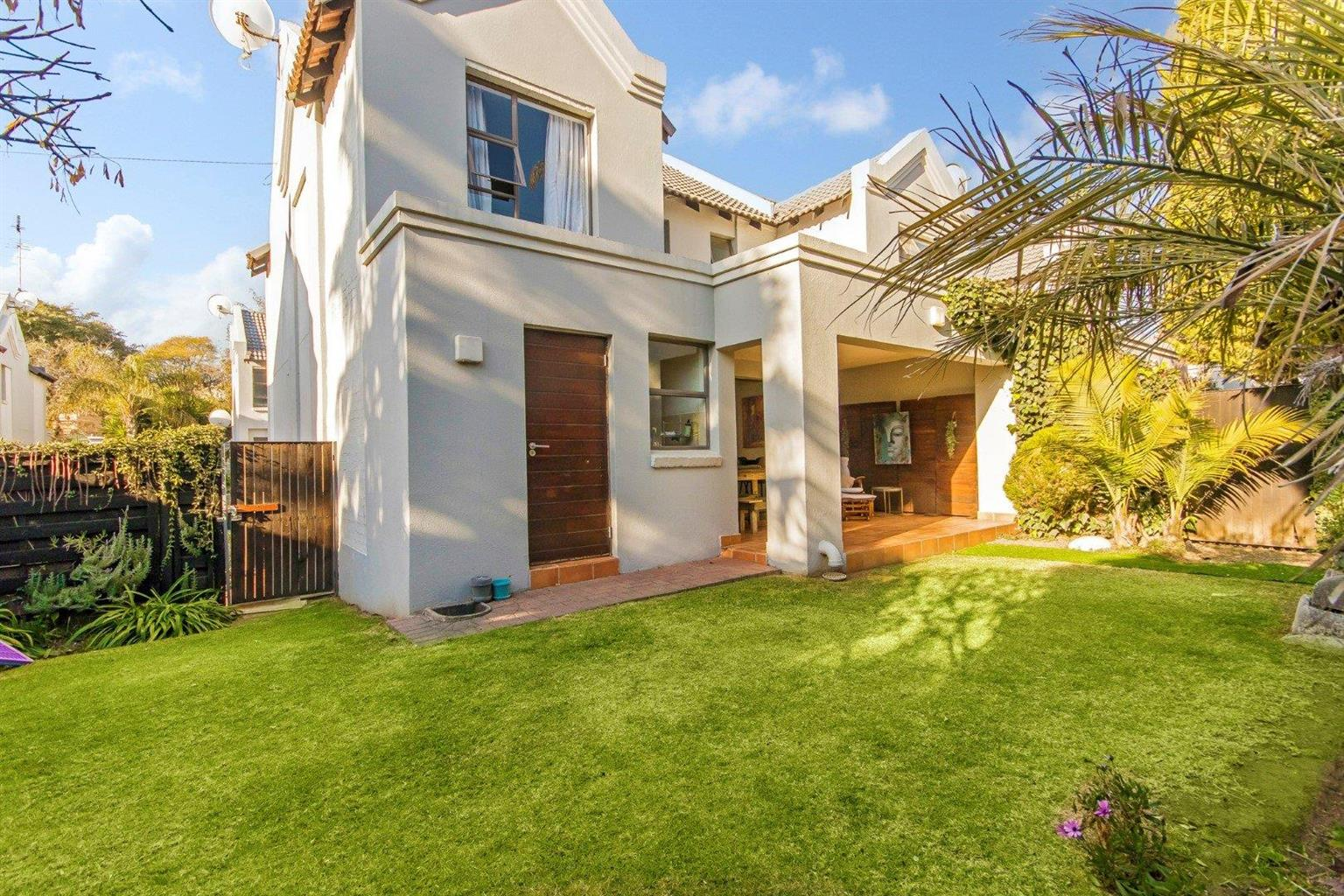 Townhouse For Sale in Waverley