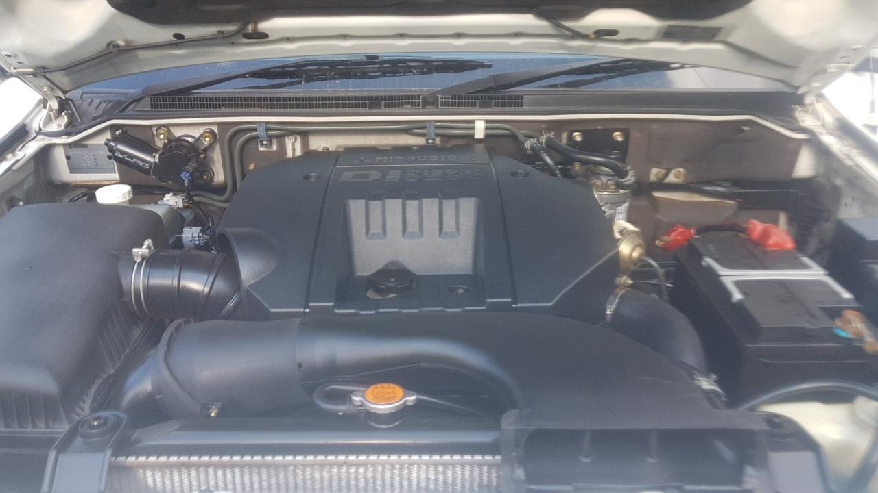 2004 Mitsubishi Pajero 3 door 3.2DI D GLS