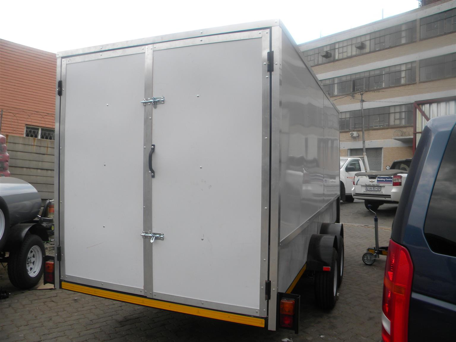 Close body trailers