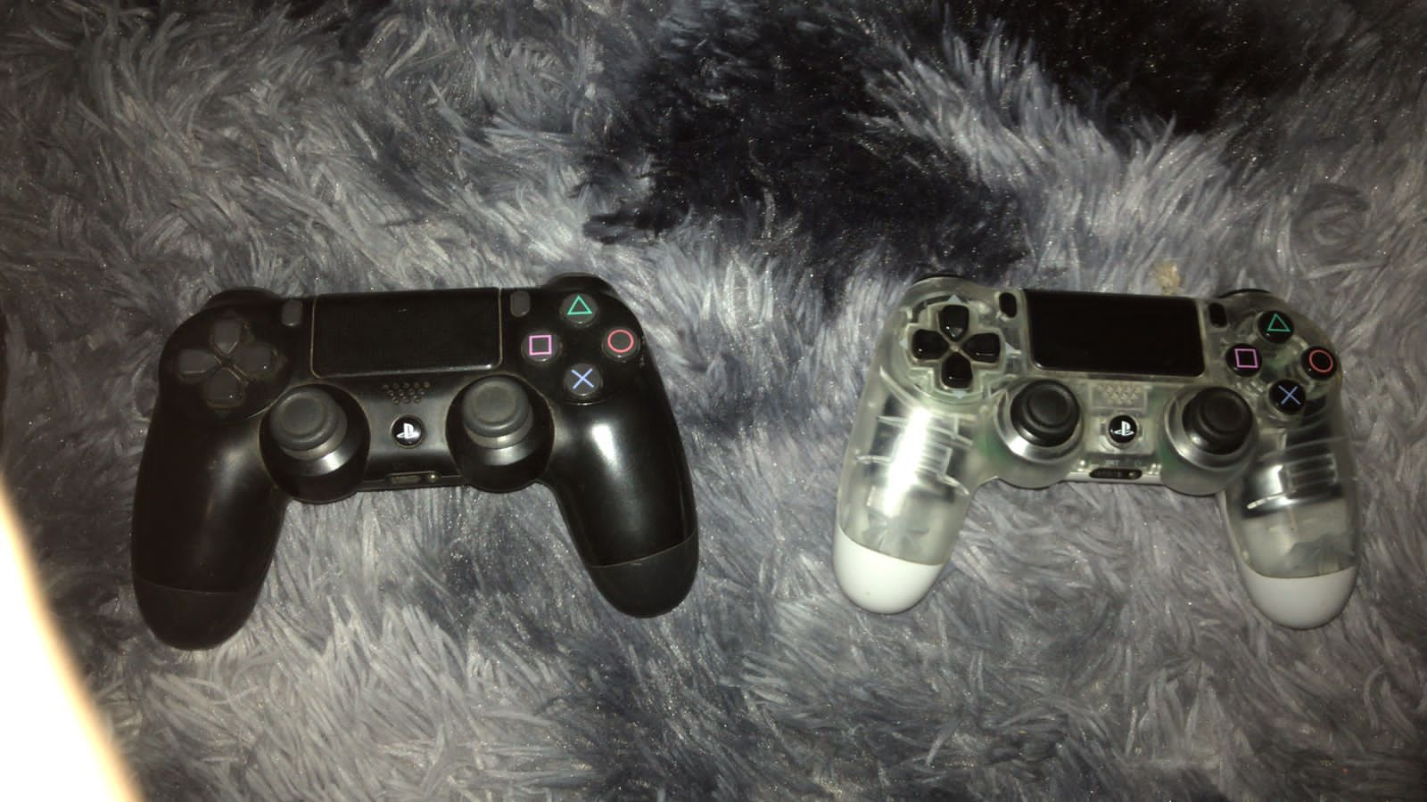 PlayStation 4 Original 500gb with 2 controllers and 2 games