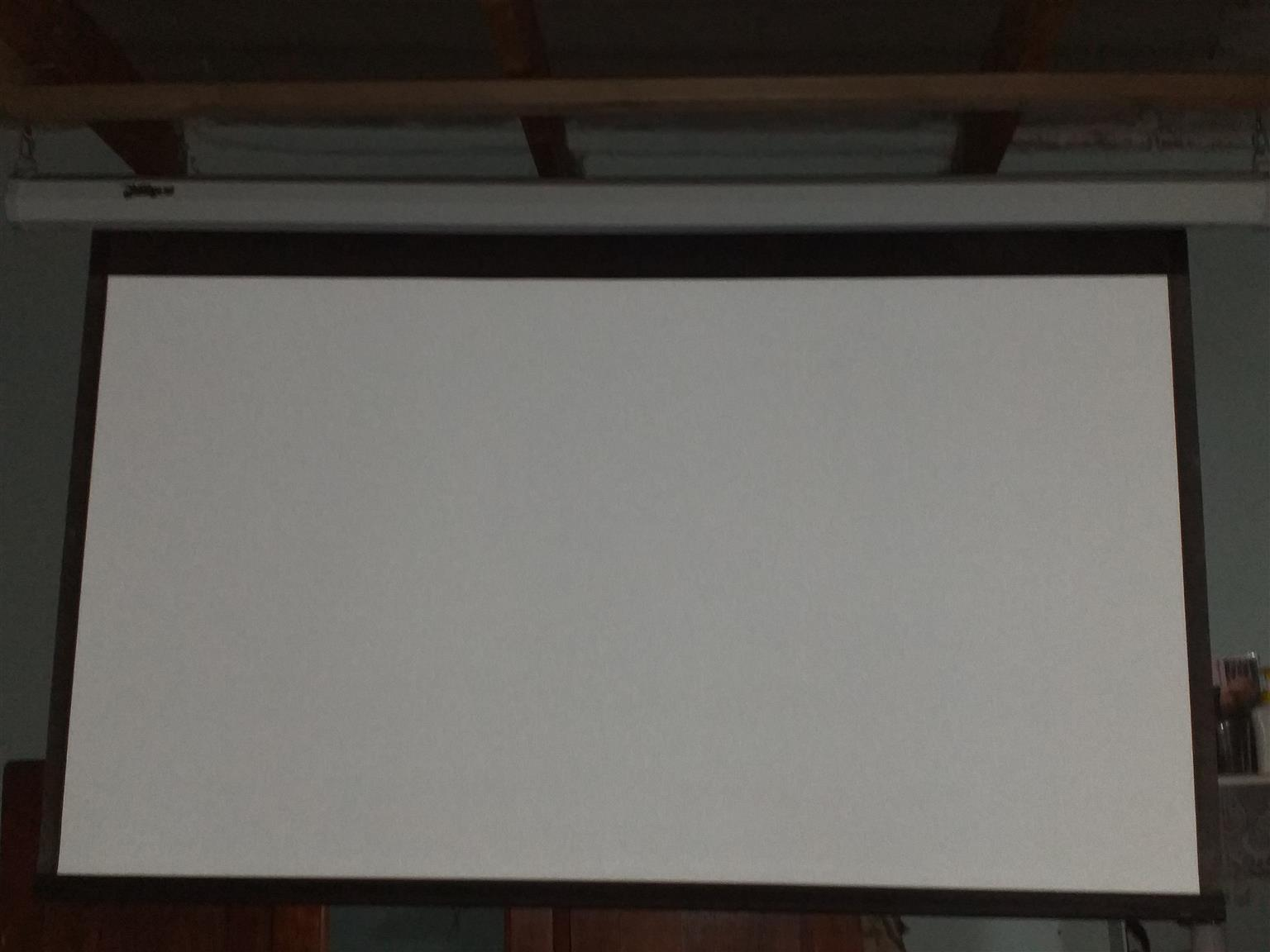 """ELECTRIC PROJECTION SCREEN-72""""/16:9"""