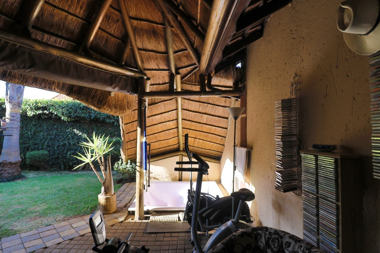 Townhouse For Sale in Bonaero Park
