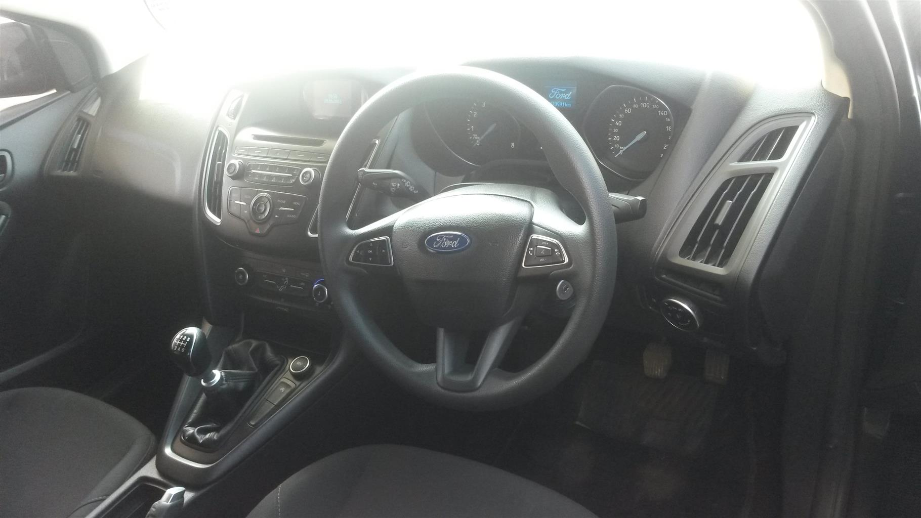 2015 Ford Focus hatch 1.6 Ambiente