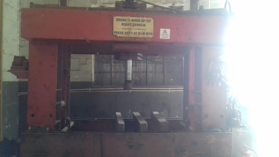 120-150 Ton Hydraulic Press