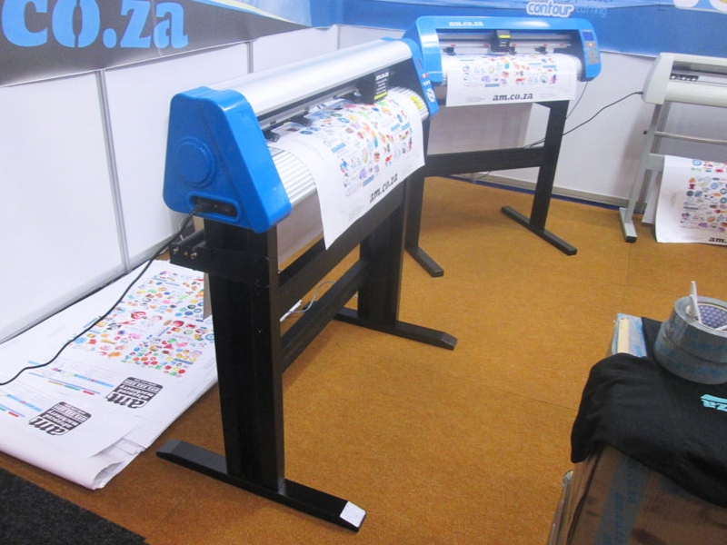 V6-1804 V-Auto Superfast Wireless Vinyl Cutter 1800mm, Automatic Contour Cutting Function