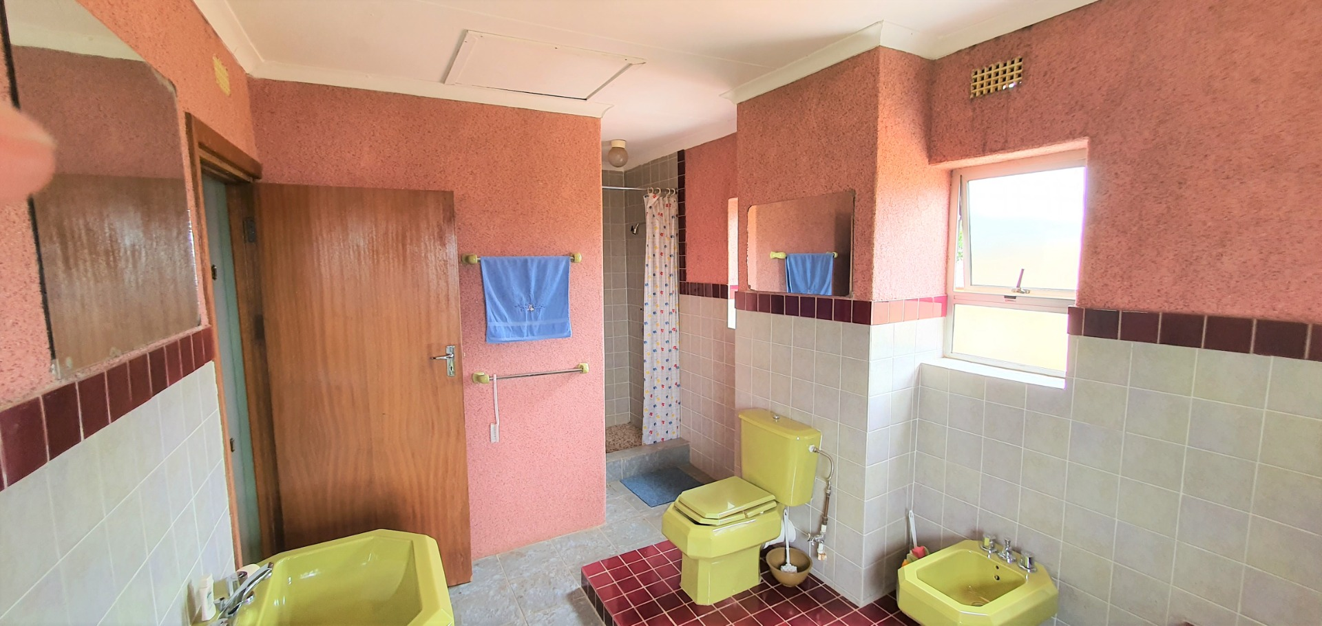 House For Sale in Lenasia South