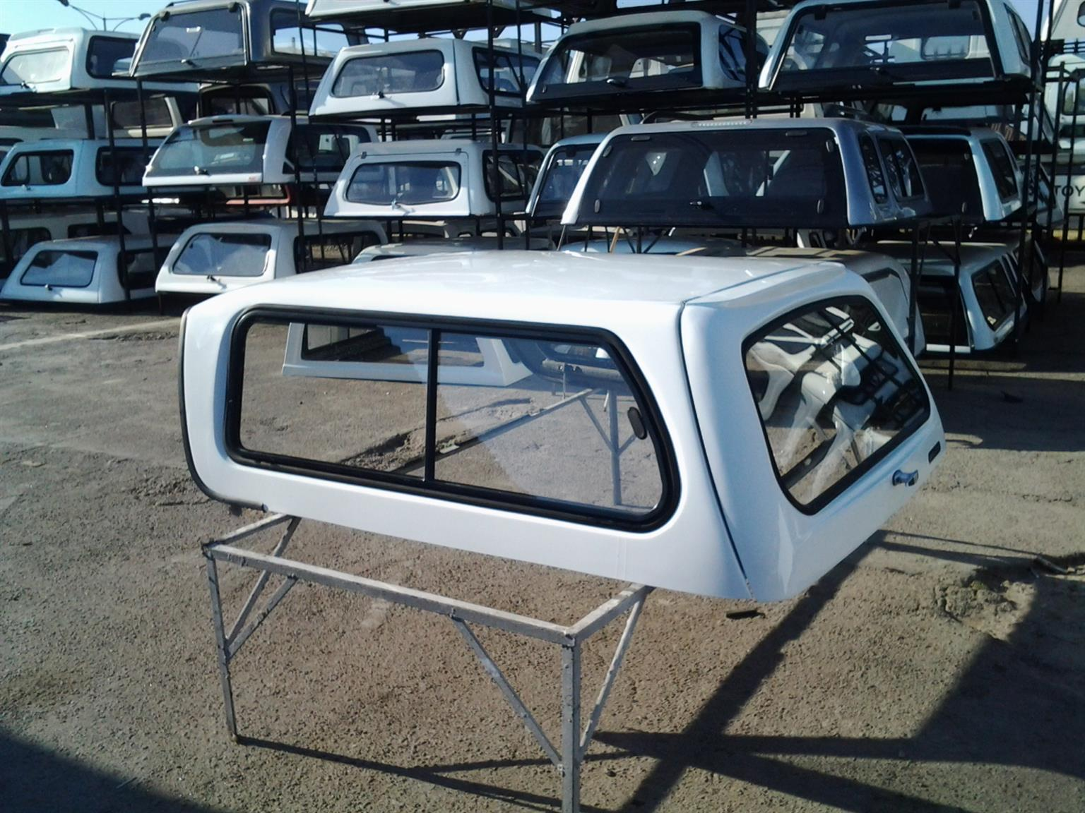 PRE OWNED SA NISSAN NP200 CANOPY FOR SALE!!!!!