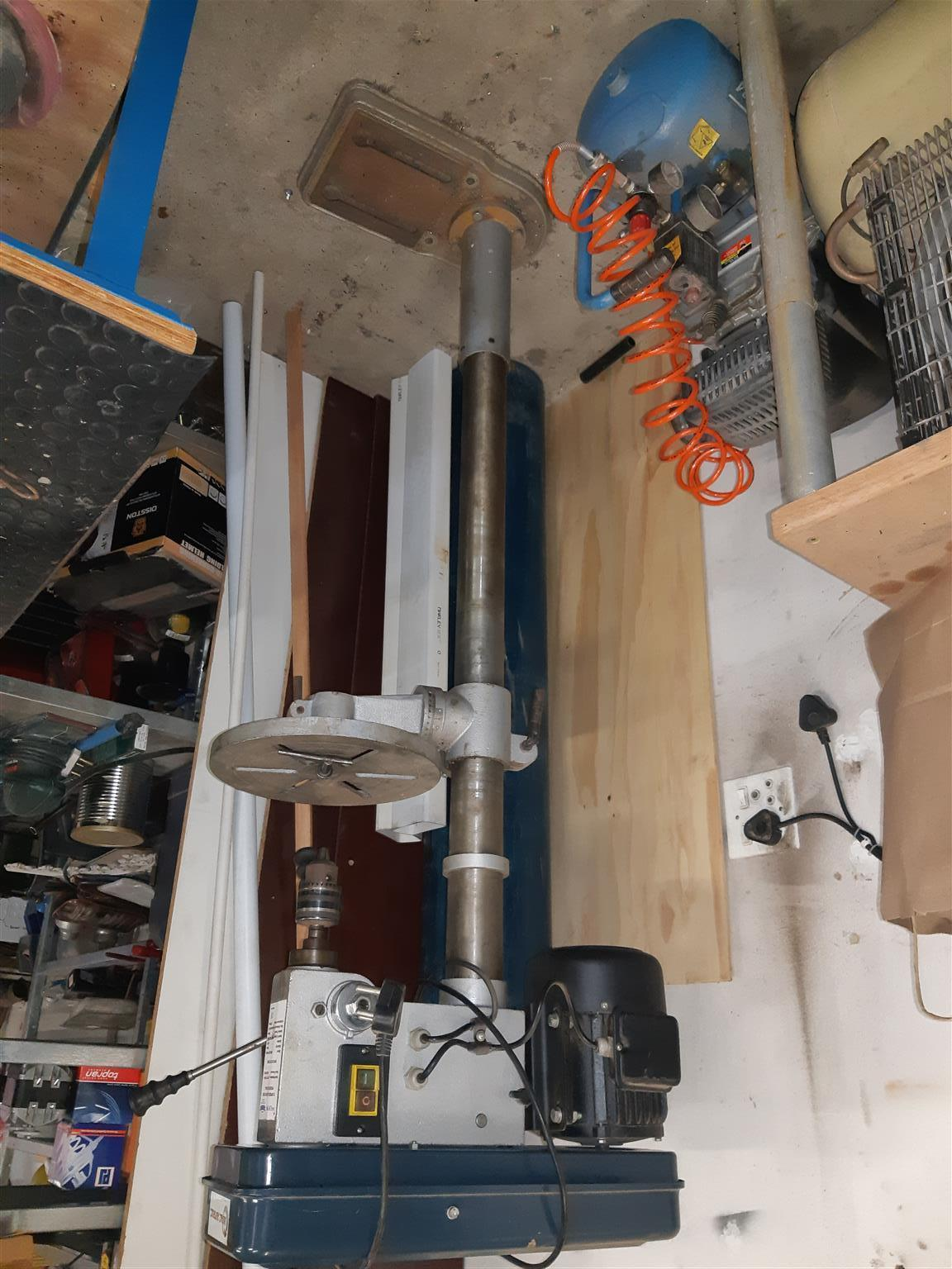 Pedestal drill floor standing. Excellent condition.