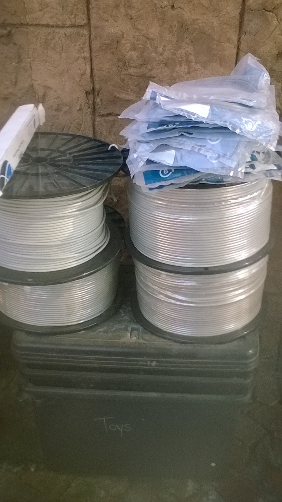 Cat 6 UTP R2000/500 meter drum Limited stock Tel/WhatsApp 0766566644