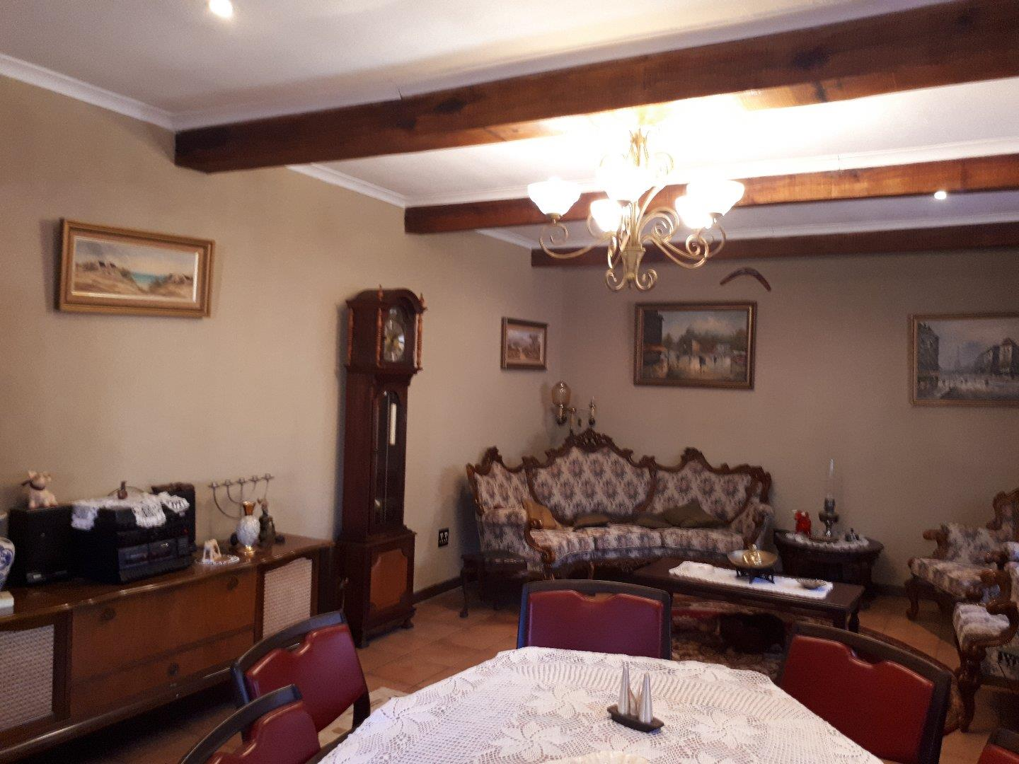 Bed and breakfast house with flat and swimming pool ideal for bed and breakfast