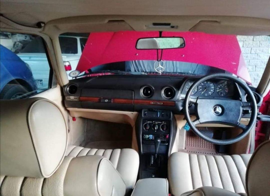 1985 Mercedes Benz 230E
