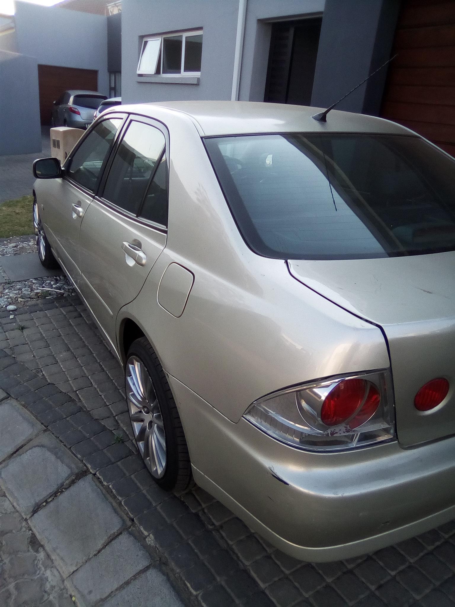 2004 Lexus IS 200t EX