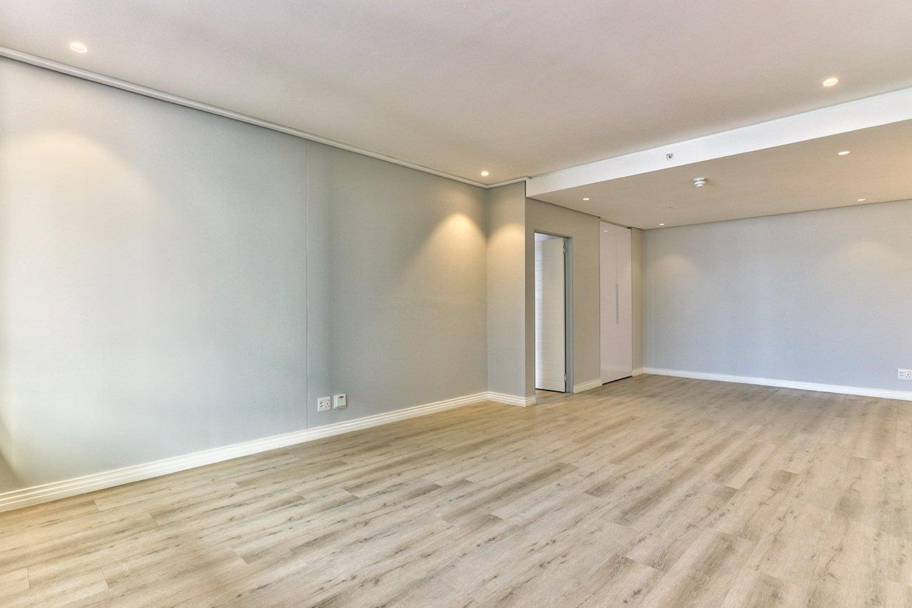 Apartment For Sale in Cape Town