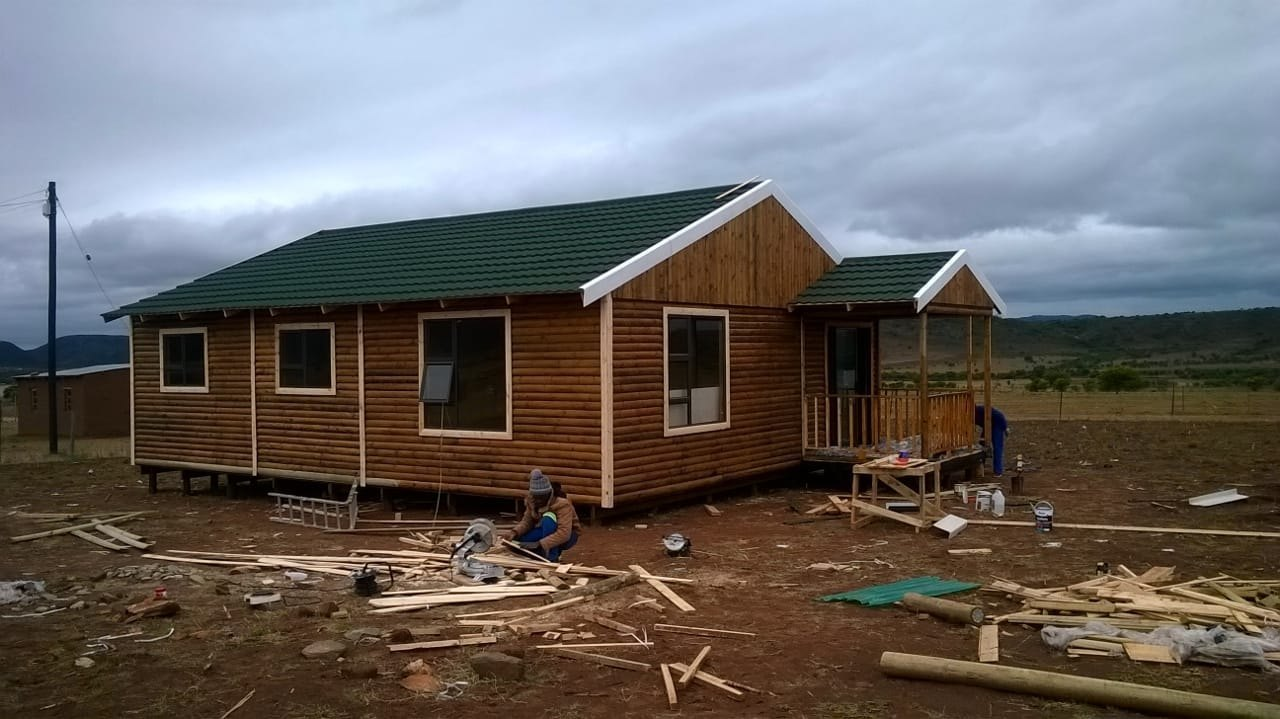NORMATTER LOG AND WENDY HOUSES