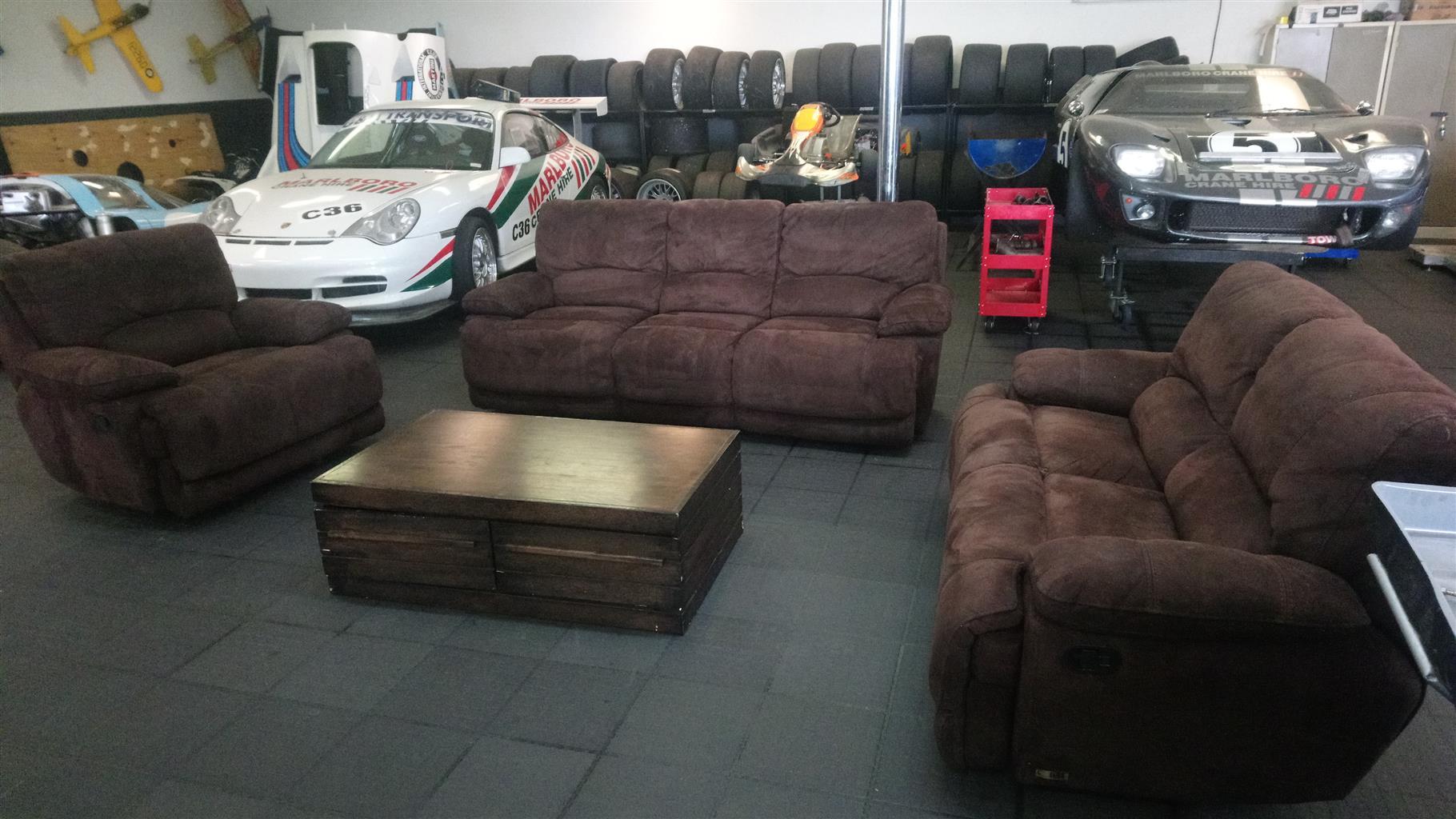 Recliner Sofa Set Junk Mail