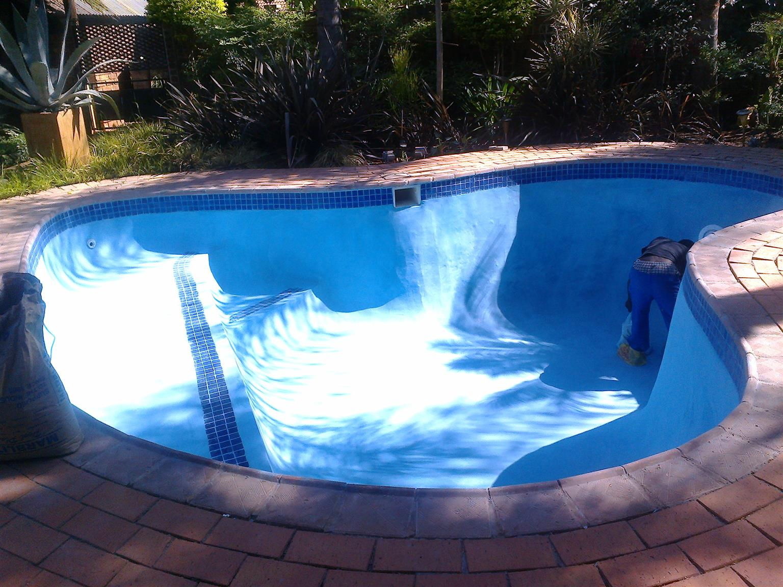 Specializing in Swimming pools ,Rock Pools,Rock arts ...