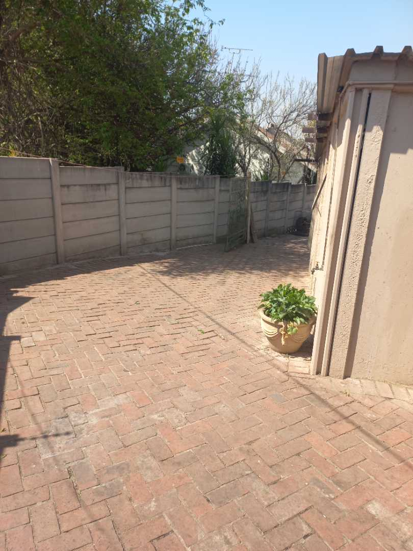 House Rental Monthly in Silvamonte