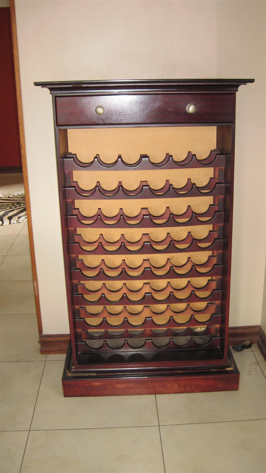 wine cabinette