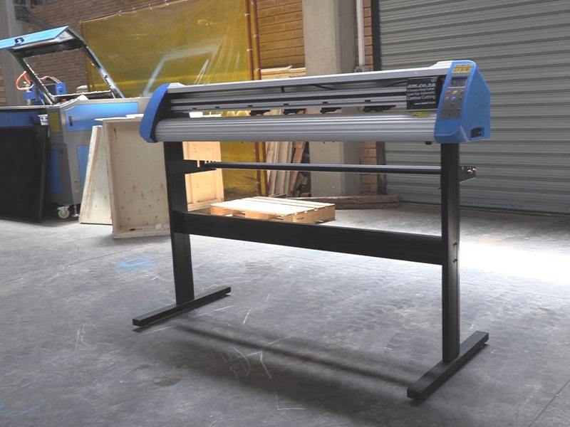 V3-740 V-Smart Contour Cutting Vinyl Cutter 740mm Working Area, Stand Vinyl Cutter