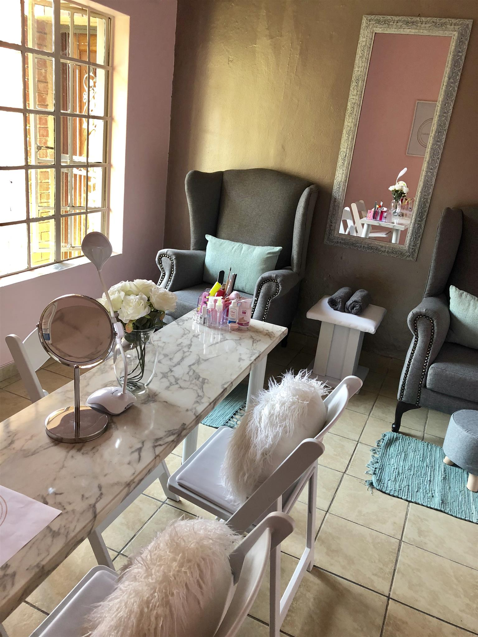Beauty Bar for Sale