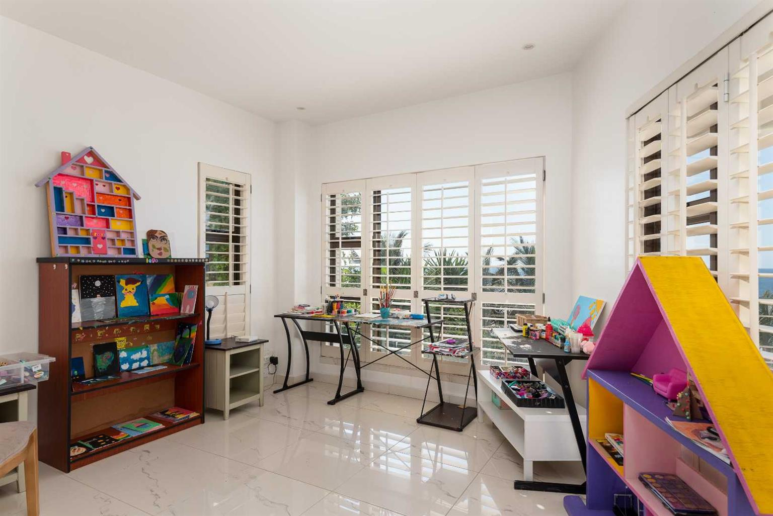 House For Sale in Sheffield Beach