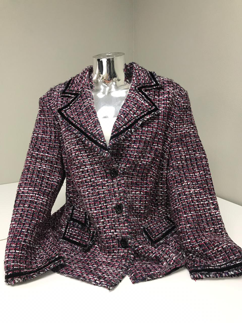 100-piece ladies' wool jackets bale for only R3990. Buy a bale. Make your own cash.