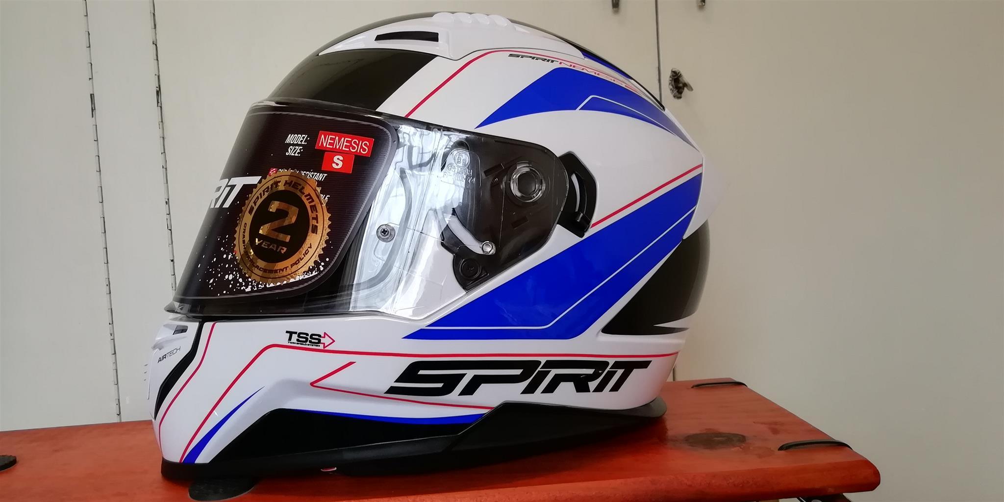 Nee Spirit nemesis helmet size small