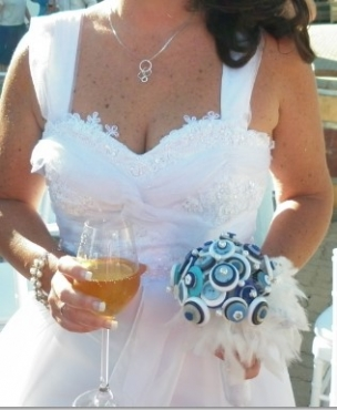 ***WEDDING DRESS - SIZE 12 - 14 - URGENT SALE NEEDED***