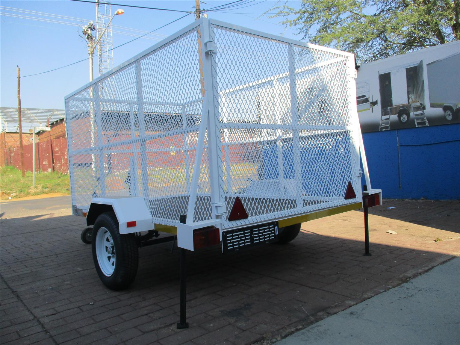 PAY AND COLLECT UTILITY TRAILERS ON SALE