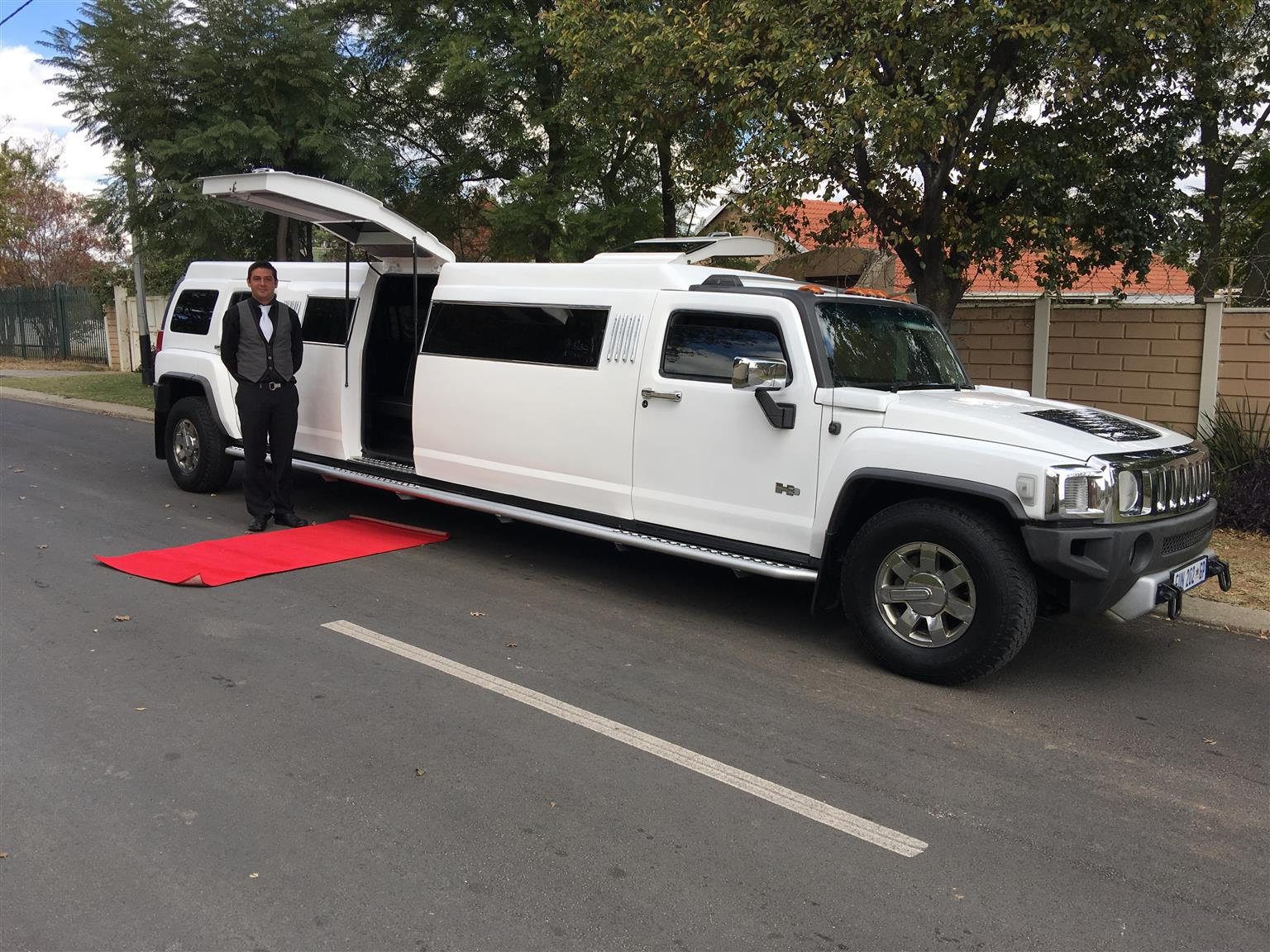 Hummersine and Limousine  Vehicles for Hire