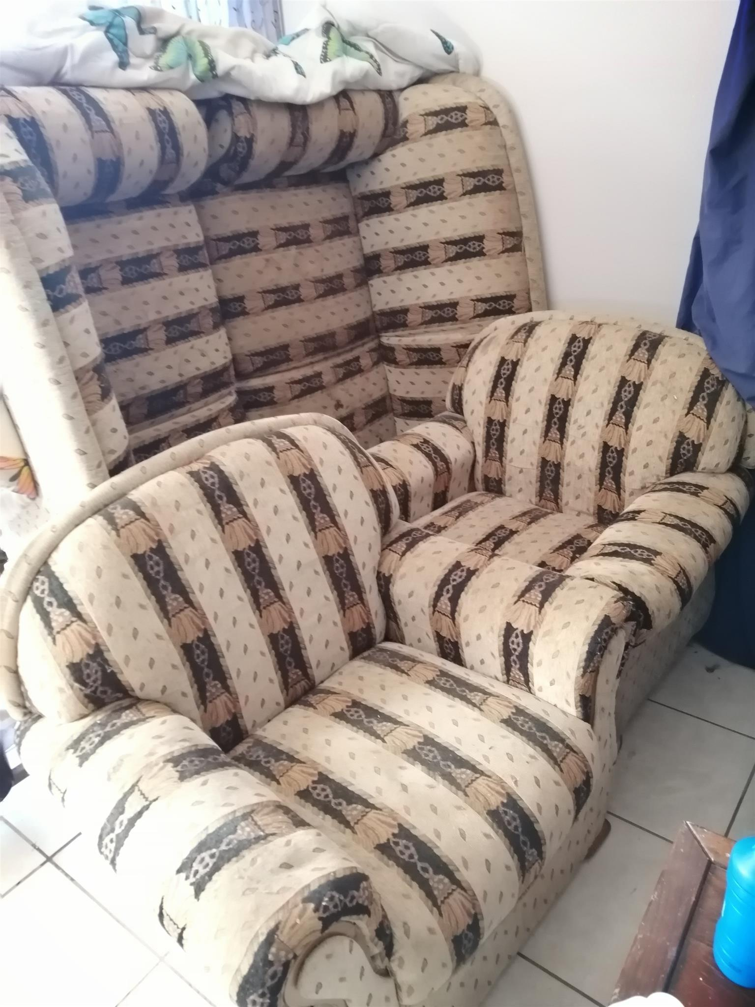 Couch set of 4 (2x double, 2x single)