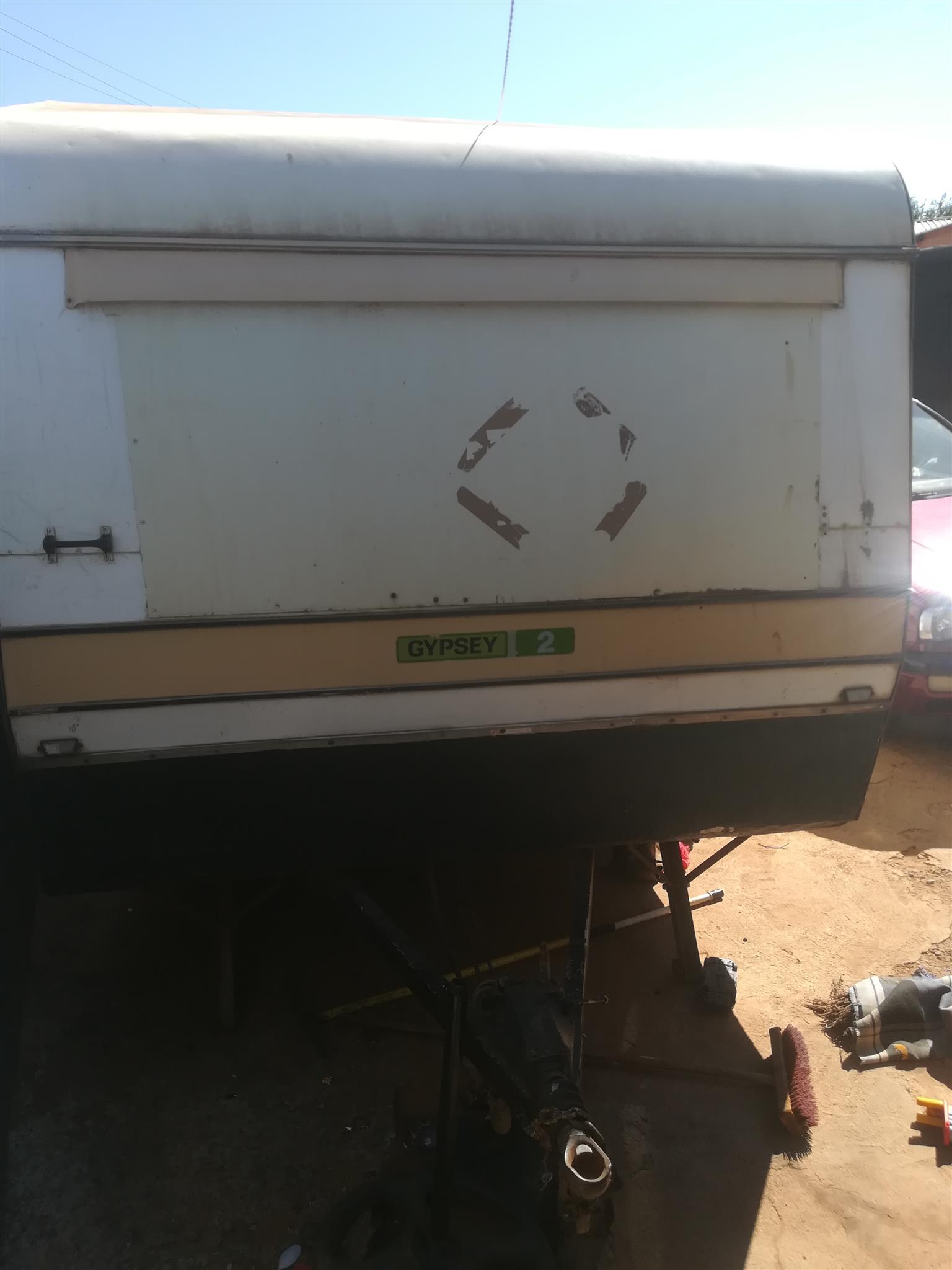 Hi am selling my gypsey caravan