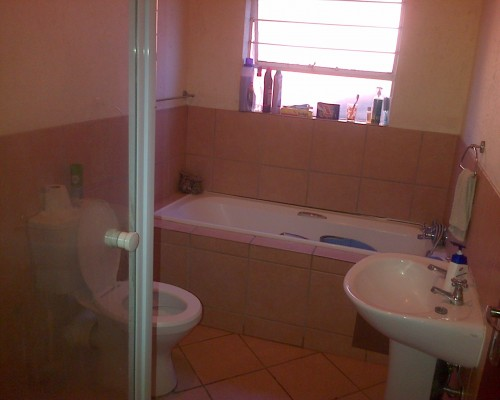 Bachalor & 1bedroom Flat to rent in PTA Arcadia & Sunnyside 1 May 2021