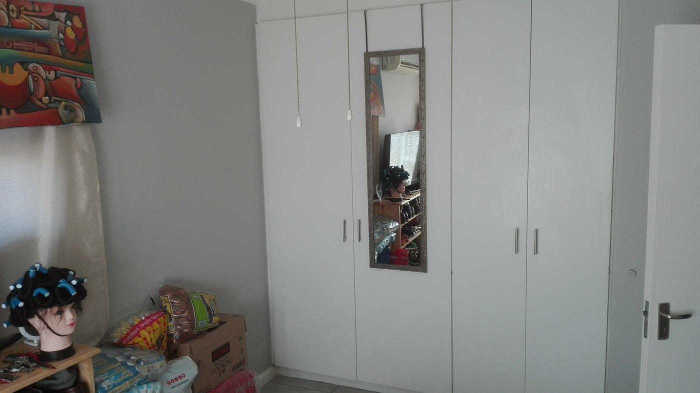 1 Bed apartment in secure complex - Greyville Square, Milnerton Ridge - 1 April