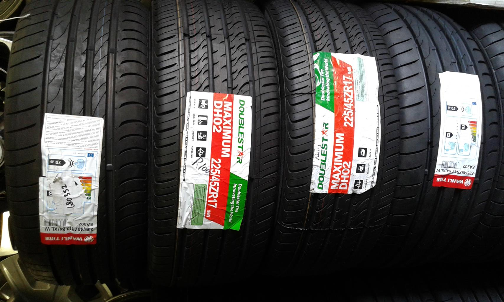 Am selling Bridgestone tyres run flat size 225/45/17 | Junk Mail