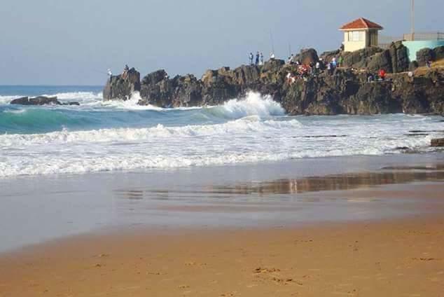 VACATION RENTALS ,SELF-CATERING WINKELSPRUIT-AMANZIMTOTI-2 BED-SLEEP 6-ON THE BEACH,24 HR SEC-GROUND FLOOR