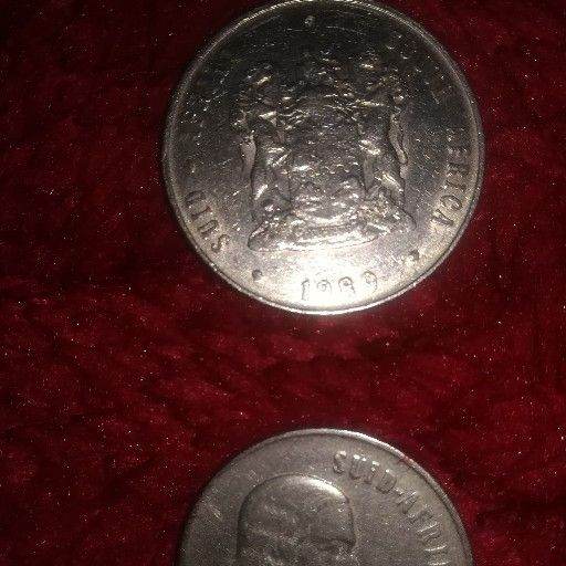 R1 and 50c coins