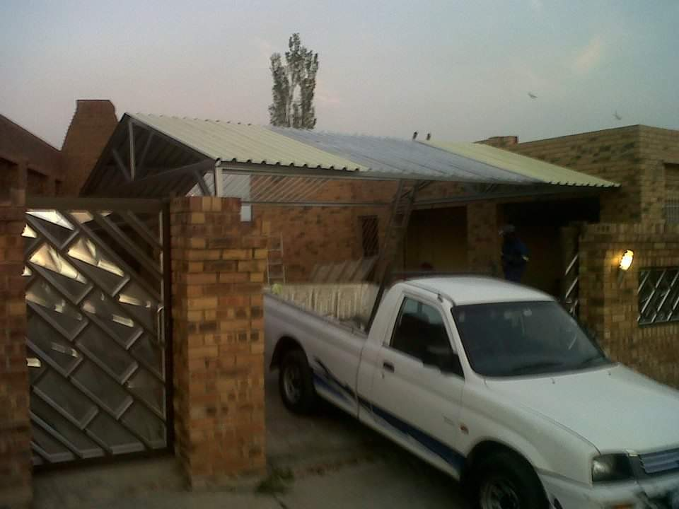Wooden Gates and Steel Carports 0786089377