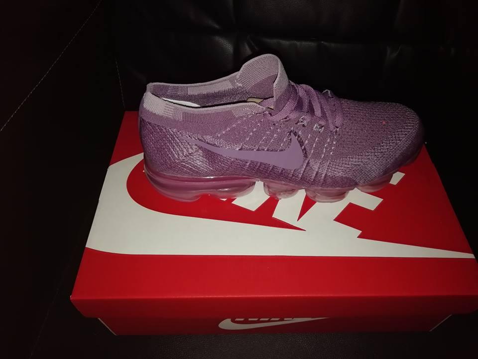 275afc961ce4 Purple ladies Nike shoes