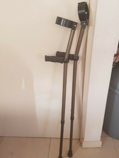 Crutches for sale R170