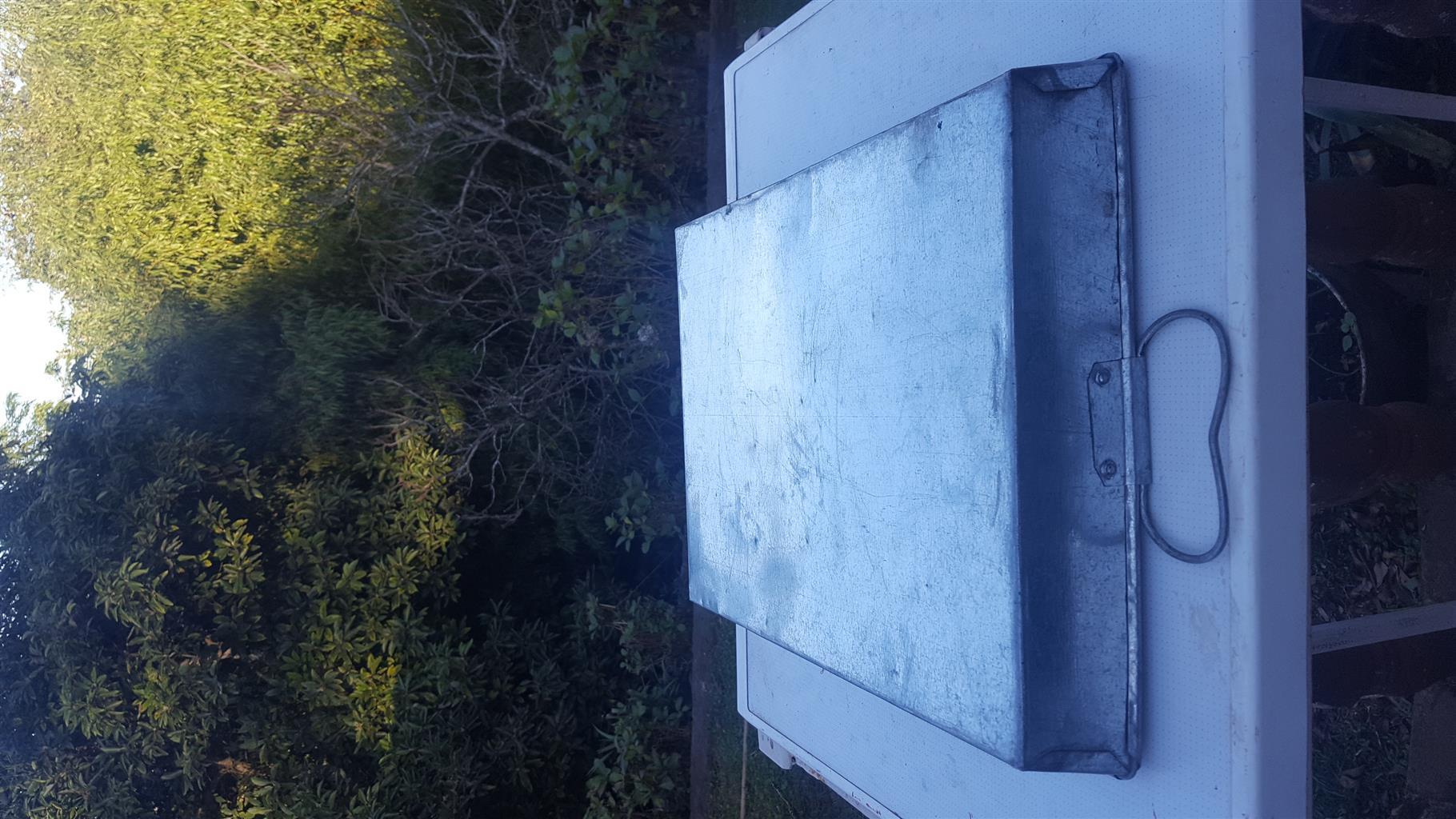 Galvanised drip tray