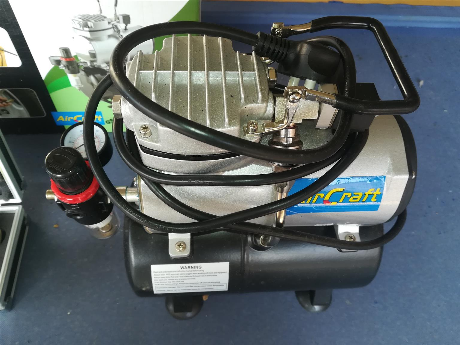 Airbrush Kit and Compressor