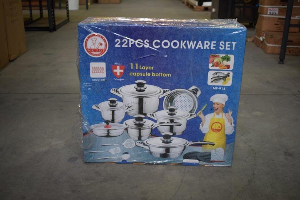22 Piece cookware set