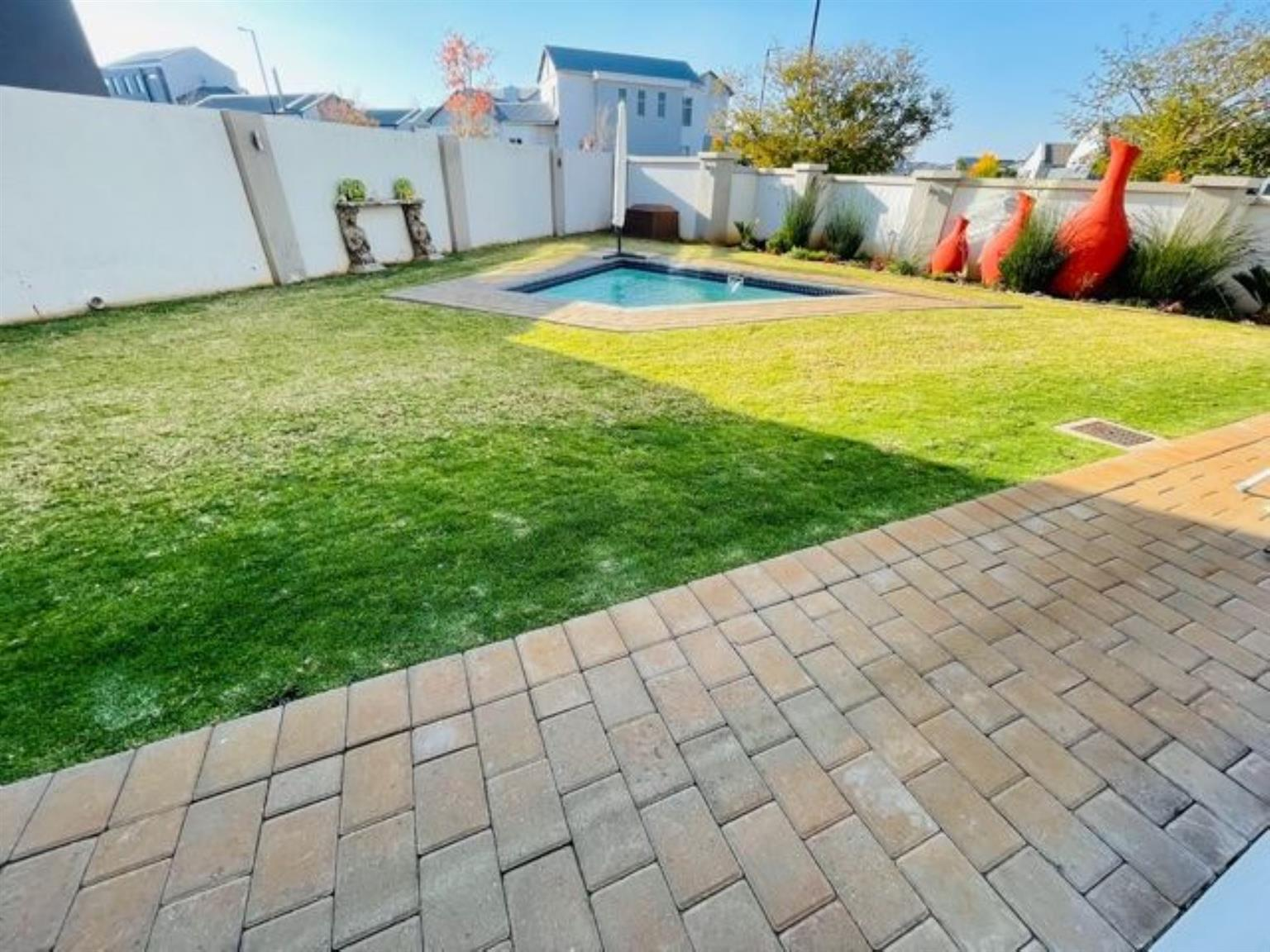 House For Sale in Midstream Meadows