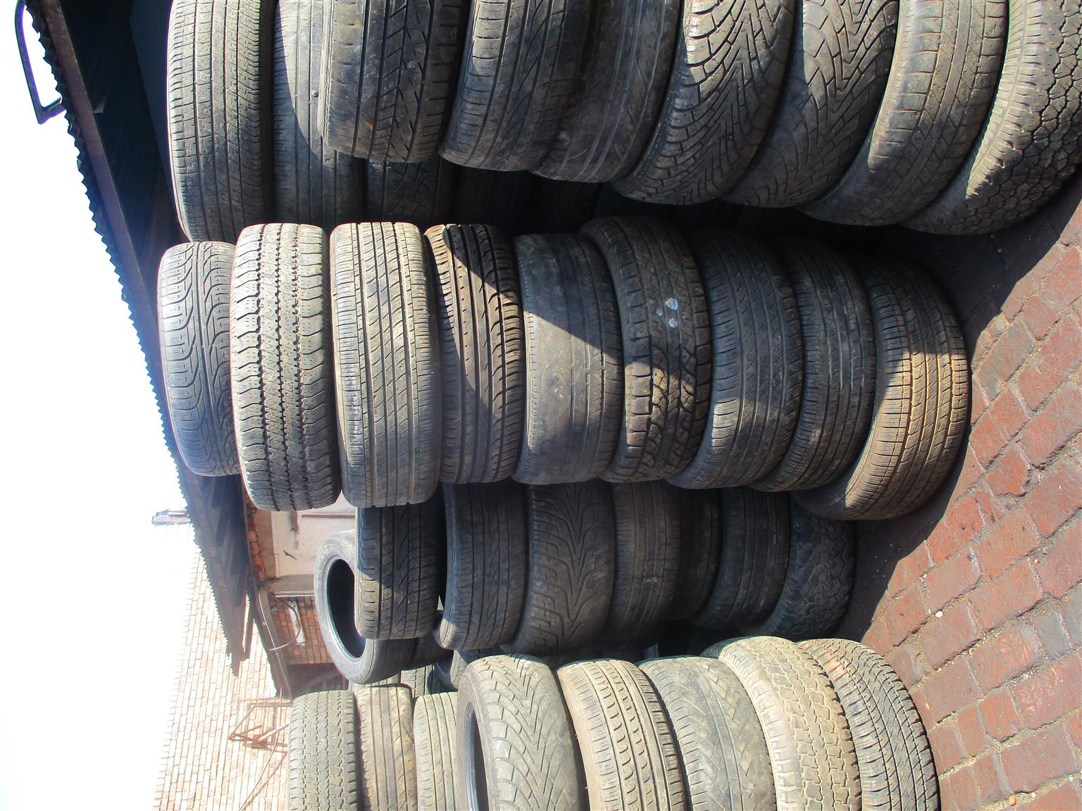 JEEP, DODGE AND CHRYSLER USED TYRES FOR SALE