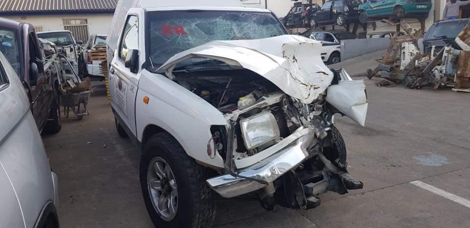 Nissan Hardbody 2 4 Stripping For Spares   Junk Mail