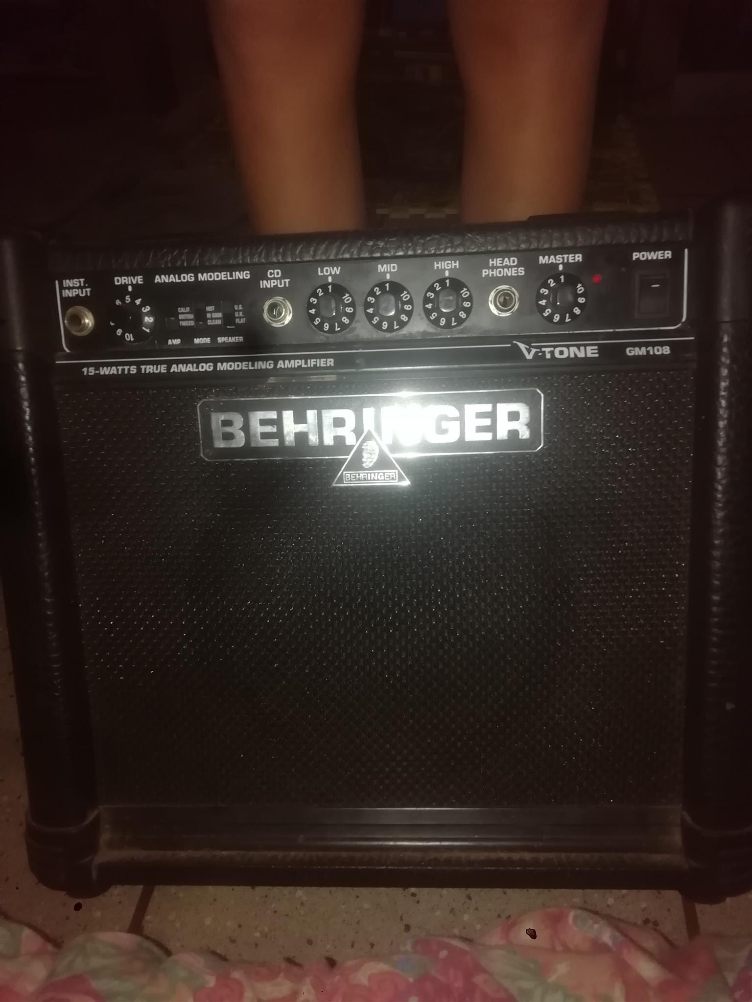 Behringer v tone Gm108 amplifier 18w