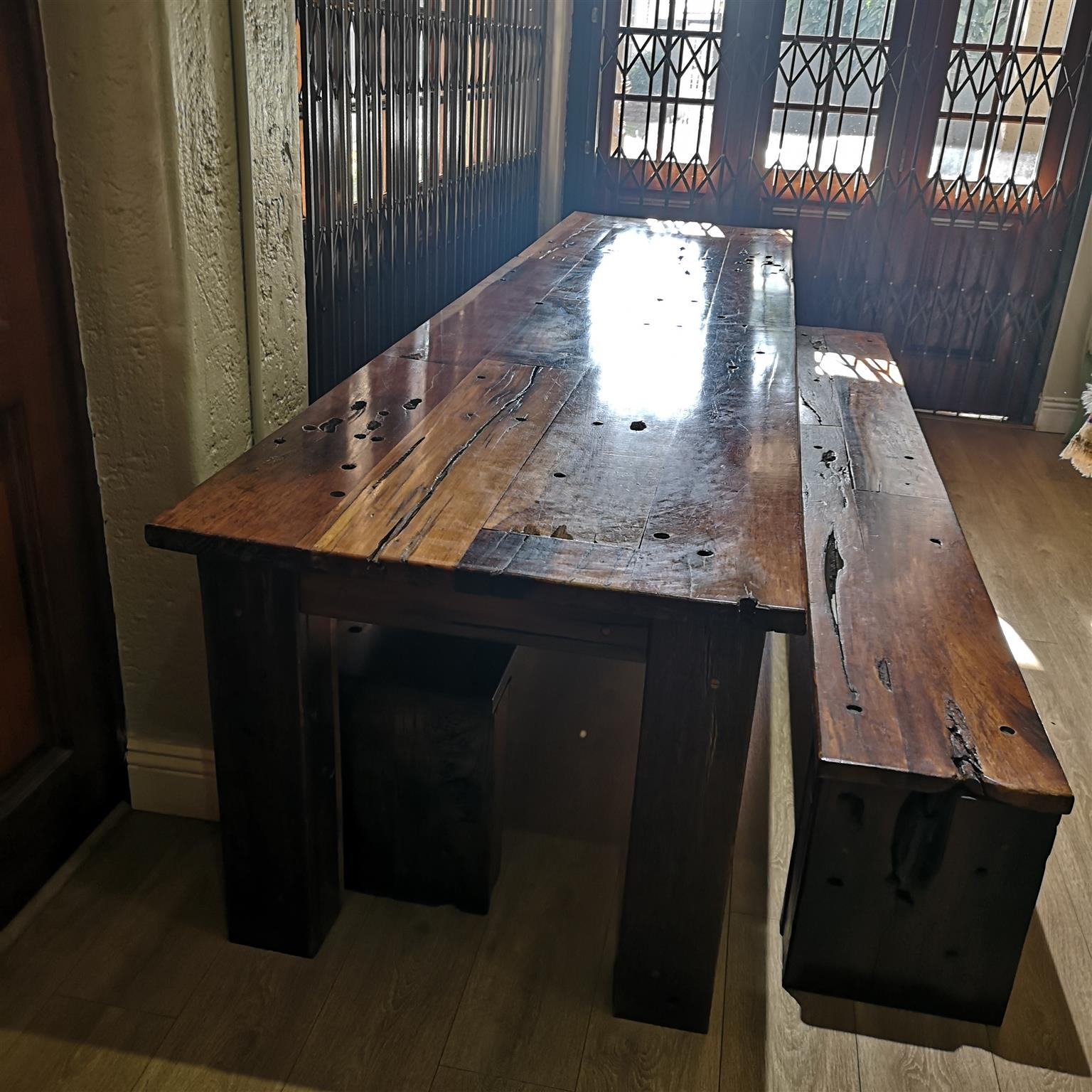 Solid sleeper wood Dinner table