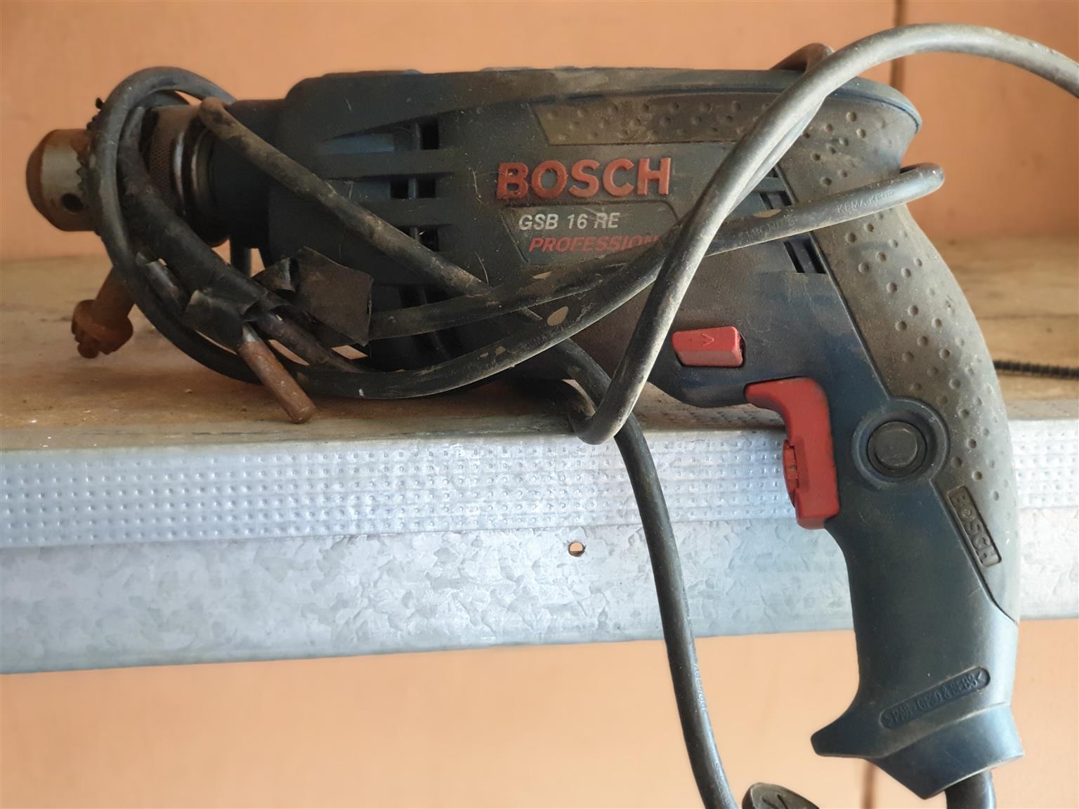 2 BOSH drill machines GSB16 RE 600W