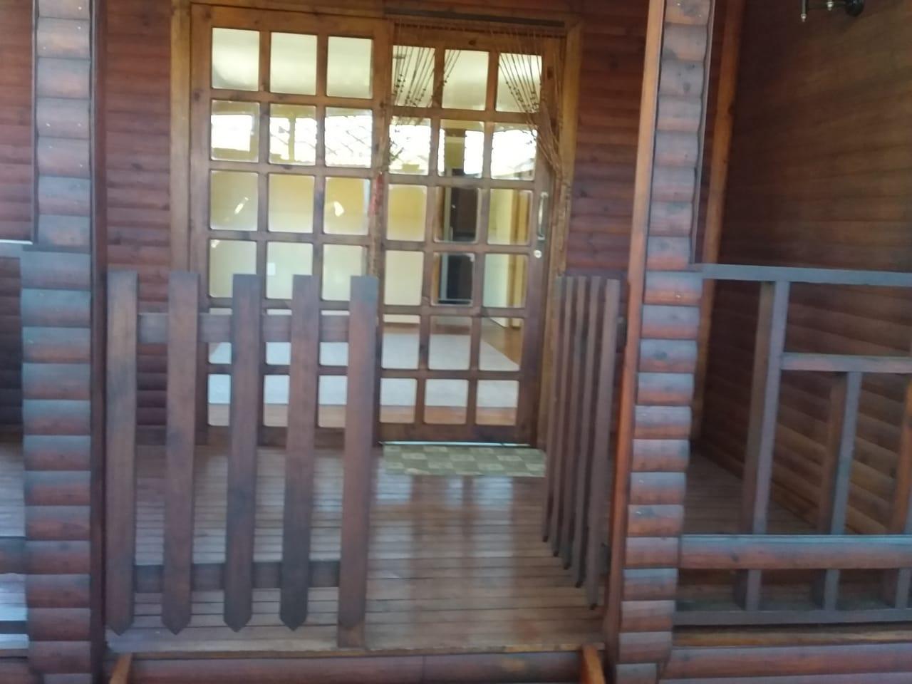 Beautiful big log cabin to rent